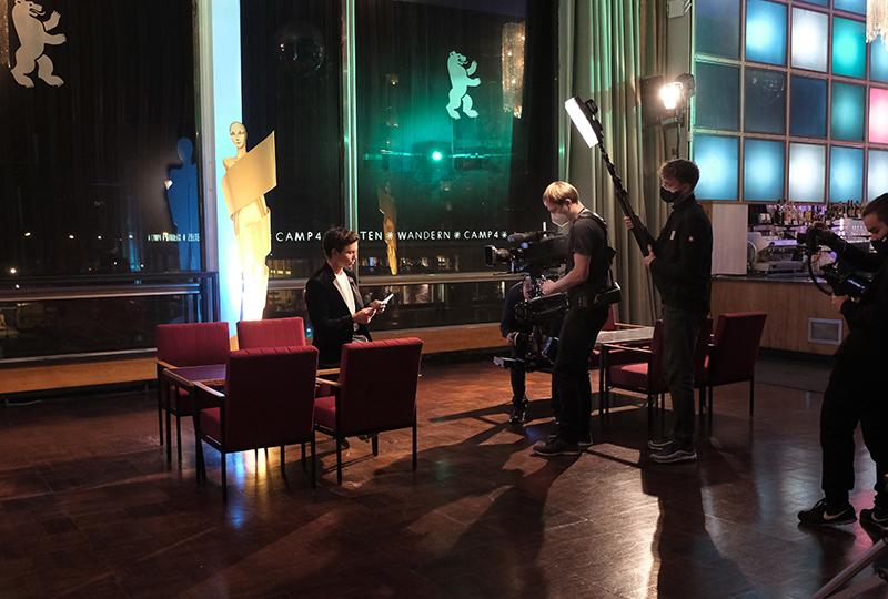 25.11.2020 BERLIN Tim Oliver Schultz und Monikan Grütters moderieren den deutschen Kurzfilmpreis 2020 im Kino International   Copyright: Christian Schulz